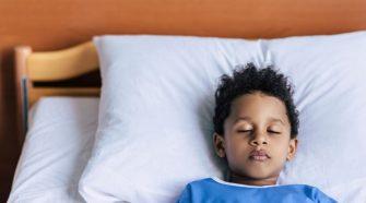 Quais os benefícios de travesseiros com controle de altura