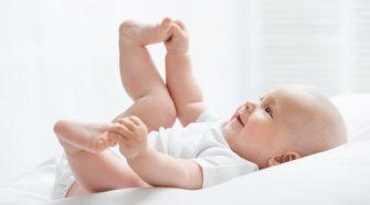 Conheça o top 3 benefícios do travesseiro antirrefluxo para bebês