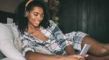 Descubra o que é ASMR e como ele pode te ajudar a dormir melhor!